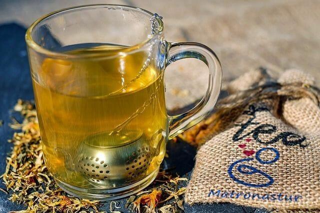 ¿Beber té de hojas de frambuesa en el embarazo provoca el parto? 8