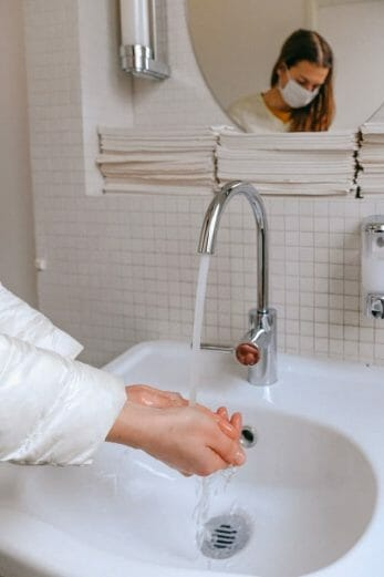 importancia del uso de mascarilla y el lavado de manos contra la tuberculosis en el embarazo